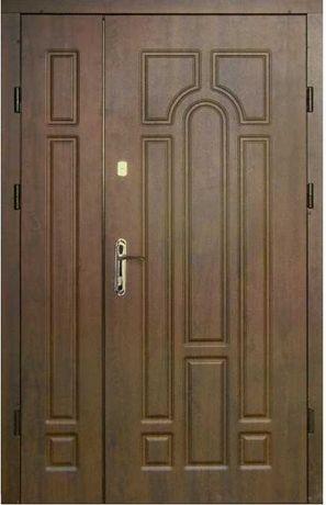 Полуторные входные металлические двери