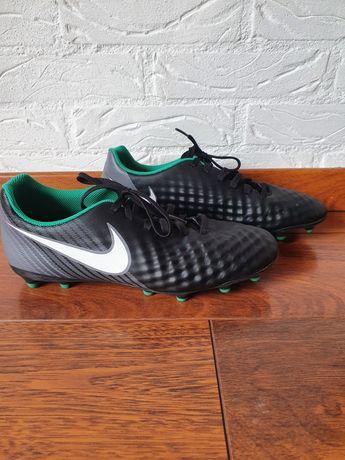 Korki Nike Magista rozmiar 41