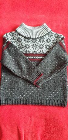 Szary wzorzysty sweterek na 3 latka