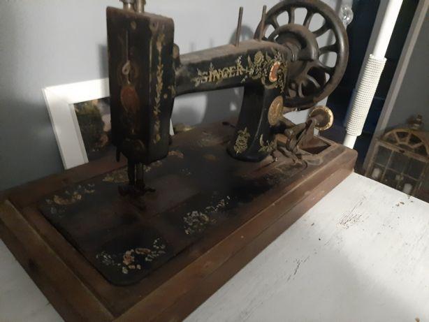 Zabytkowa maszyna do szycia