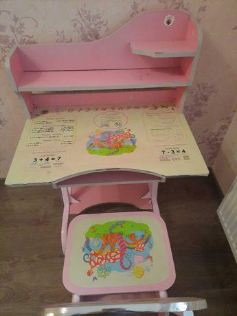 Парта, столик со стулом