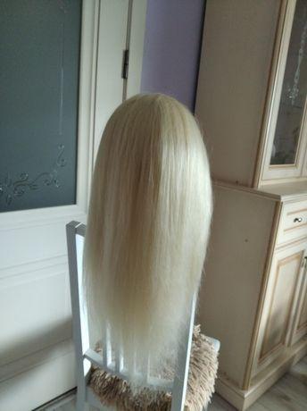 Манекен з волосся