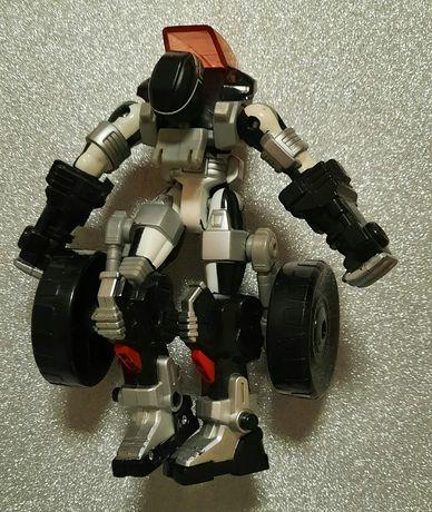 Figurka Transformers.