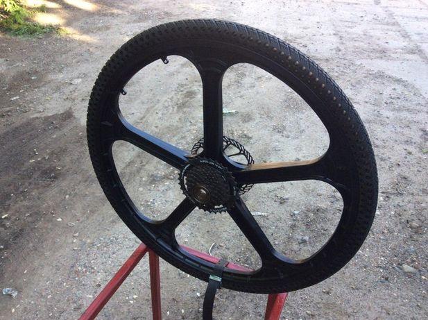 Колесо велосипедное с бескамерной покрышкой 26 X 1,5