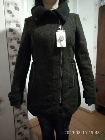 Пальто демисезон Bershka