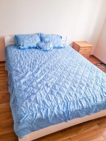 Комплект атласний 226 (покривало з рюшами + подушки)