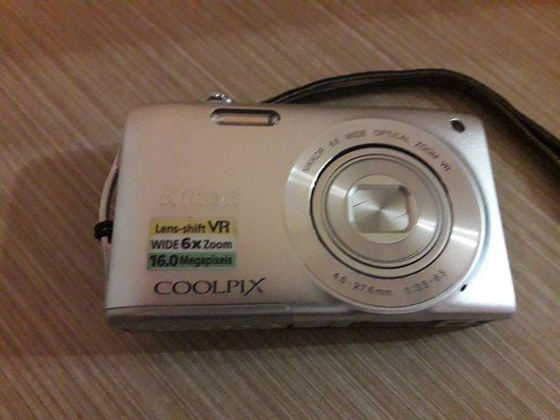 продам фотоаппарат Nikon Coolpix S3300 на запчасти