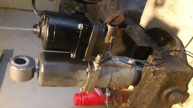Ремонт трима подьемника рулевой гидравлики, рихтовку гребных валов.