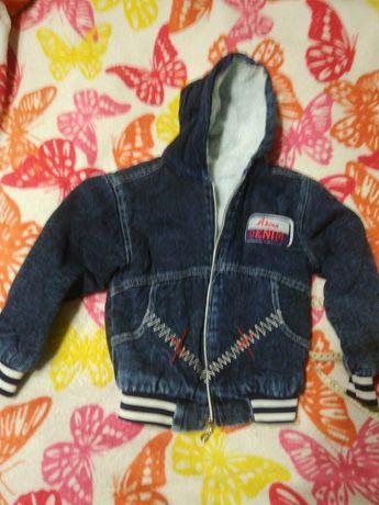 Джинсовая куртка на ребенка