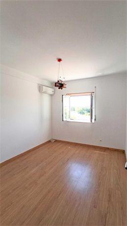 Apartamento T2 - Tapada Ramalho / novamente disponível