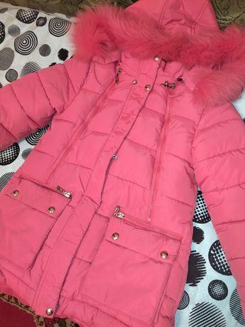 Продам зимнюю куртку на девочку