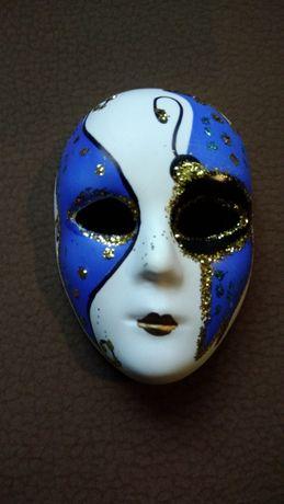 Máscara de Veneza, nova.