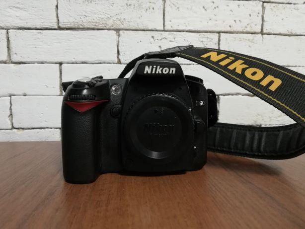 Nikon D90, комплект с двумя объективами, вспышкой и рюкзаком