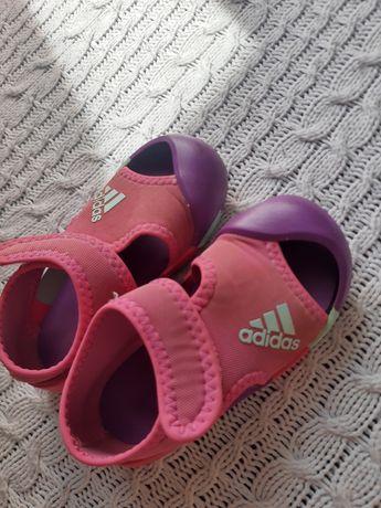 Sandałki Adidas dla dziewczynki 22