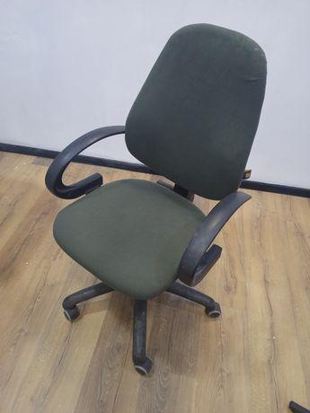 Офисный стул, в хорошем состоянии