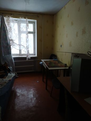 Продаю 2к коммуналку ул. Киевская