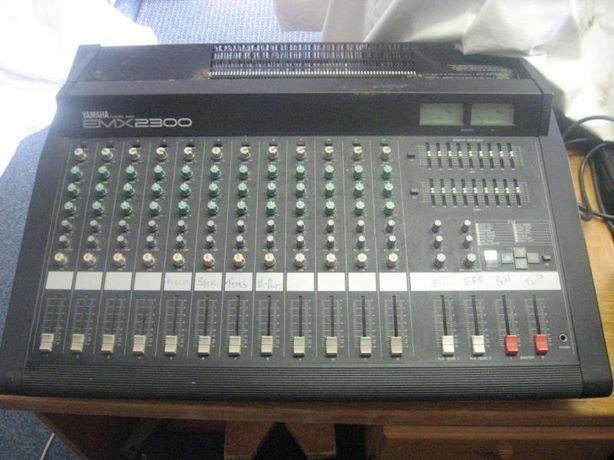 Mesa de mistura amplificada - Yamaha emx2300