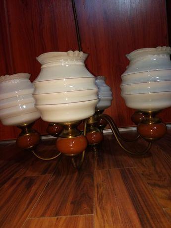 Żyrandol z mosiądzu i porcelany sześcioramienny pałacowy z PRL