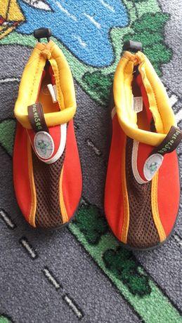 Buty kąpielowe do pływania r. 30