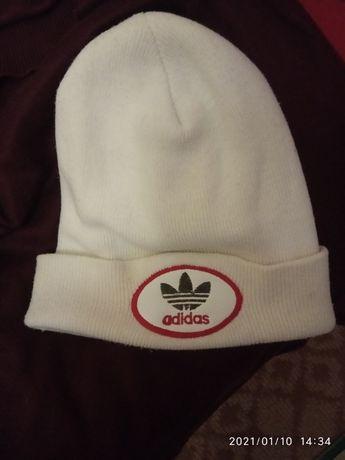 Хорошая белая шапка