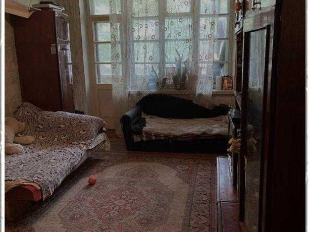 Продам 2-хкомнатную квартиру 56 кв.м, кухня 12,5 кв.м, балкон.