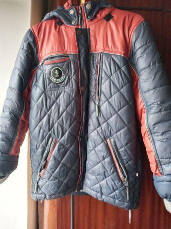 Продам куртку на мальчика 10-11 лет. Цена 250 грн