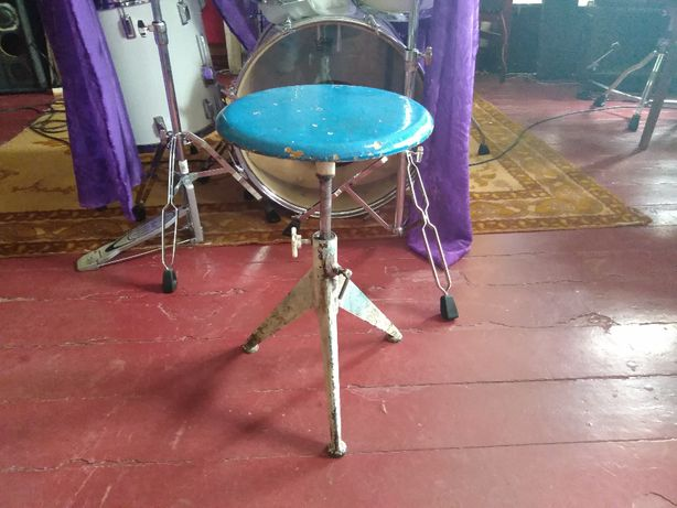 Стульчик для барабанщика
