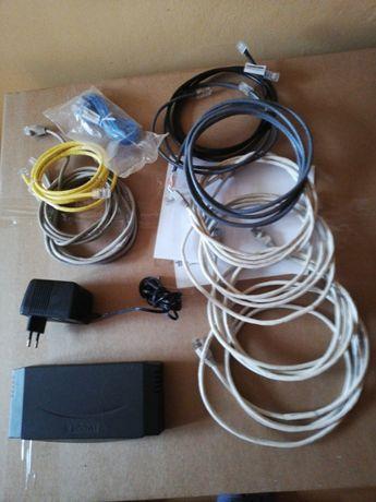 Switch 10 portowy z zasilaczem i kompletem kabli RJ45