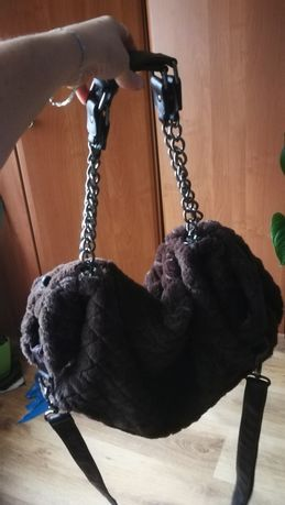 Duża torba damska na łańcuszku a4