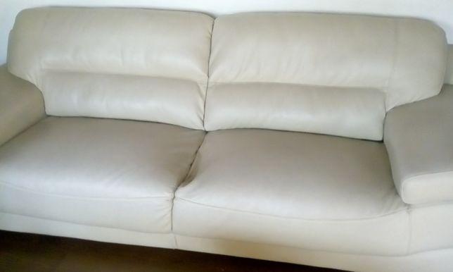 sofá pele sintética