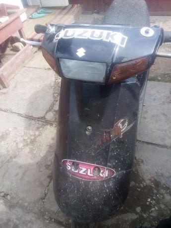 Продам скутер сузукі треба міняти поршньову у зборі