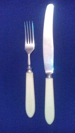 Ножі і виделки столові з нержавійки