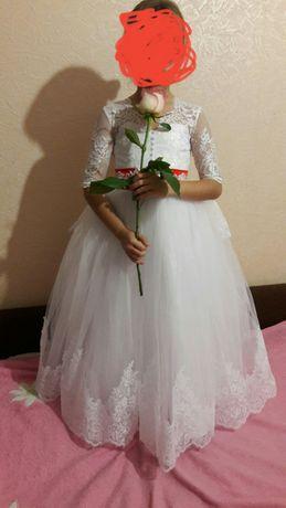 Платье на выпускной, платье на свадьбу, пышное, белое платье.