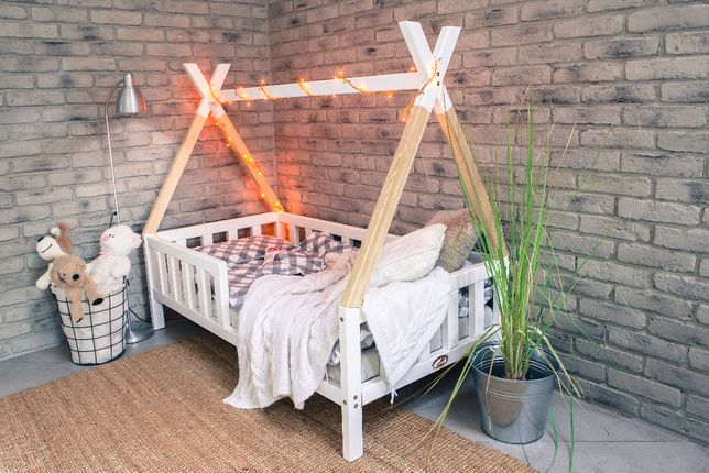 Łóżko dziecięce domek Tipi z barierką