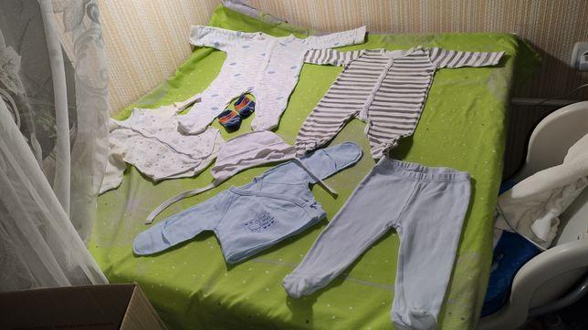 Одежда на мальчика, от 0 до 4 месяцев , Вещи в роддом