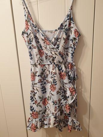 Dwie sukienki nowe plus trzecia gratis