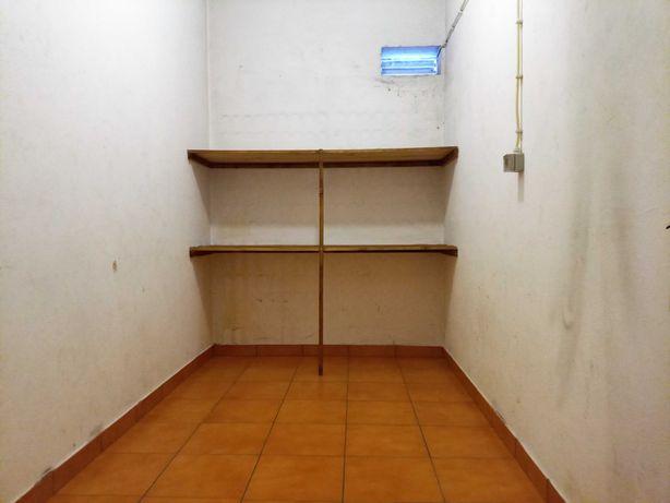Arrecadação/pequeno armazém para arrumos na zona da Solum, Coimbra