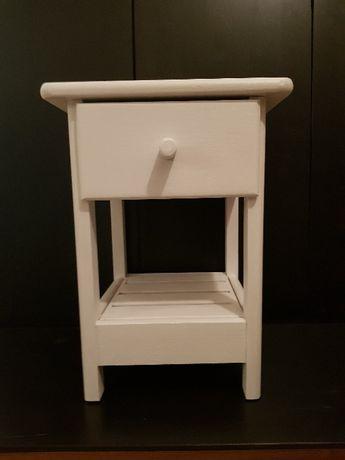 Stoliczek do pokoju dziecinnego