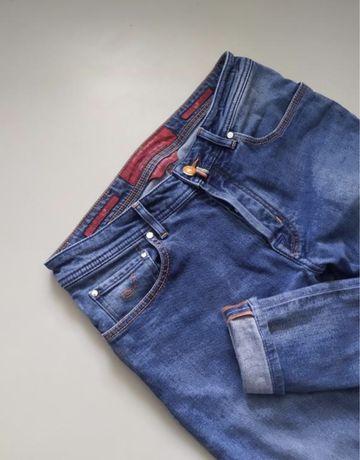 яркие джинсы jacob cohen