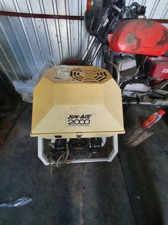 Kompresor sprezarka bezolejowa Jun air 2000