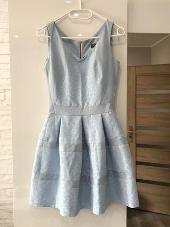 Błękitna rozkloszowana sukienka na ramkach stan idealny 34 XS róże