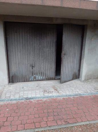 Brama garażowa uchylne drzwi