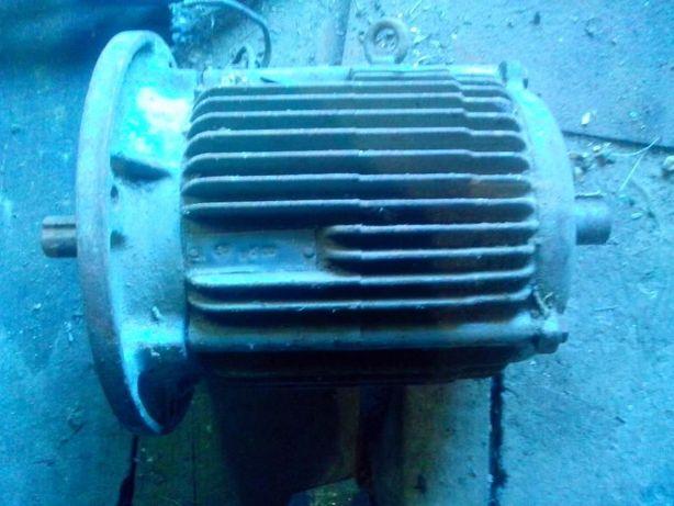 Мотор 220-380в