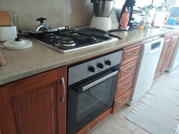 Móveis + eletrodomésticos de cozinha