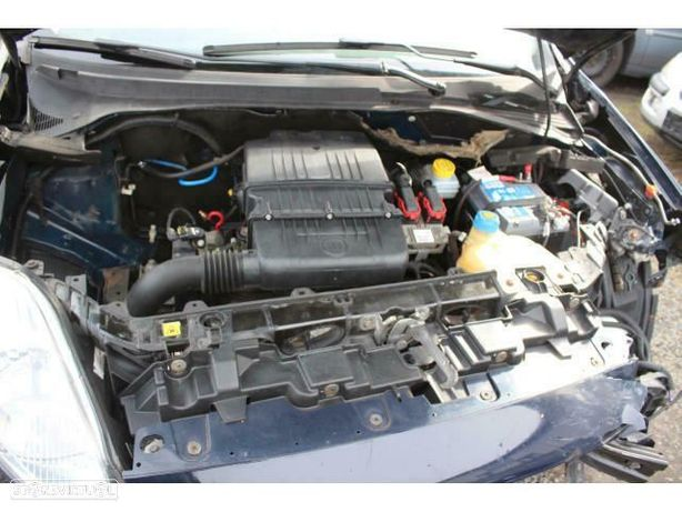 Motor Fiat GrandPunto 1.2i 8V 60cv 199A4000 Caixa de Velocidades Automatica + Motor de Arranque  + Alternador + compressor Arcondicionado + Bomba Direção