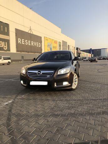 Продам Opel Insignia 2012 2.0 turbo ( официал)