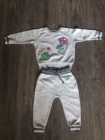 Продам комплект костюмов Next 2-3 года