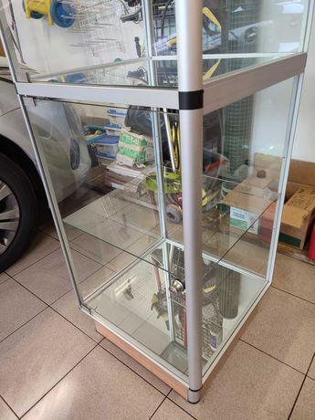 Gablota witryna ekspozycyjna sklepowa szklana
