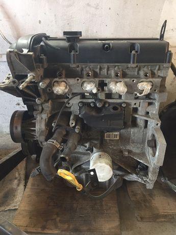 Мотор.розборка форд фокус 2. Бензин 1.6
