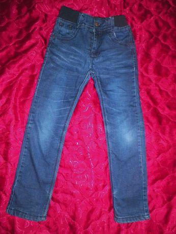 Джинси ,брюки,штаны утепленные на флисе на мальчика 134см
